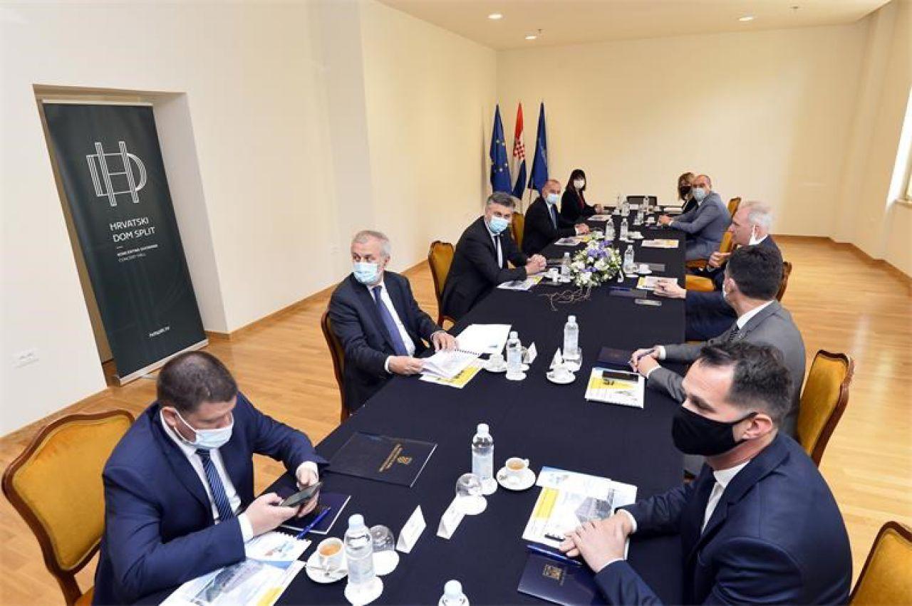 Ministrica Tramišak u Splitu uručila ugovore za projekte vrijedne 14,8 milijuna kuna