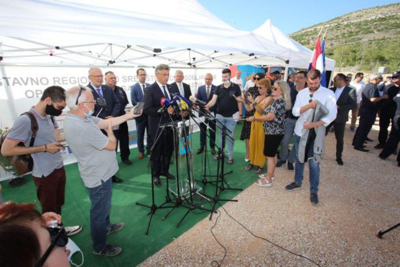 Premijer Andrej Plenković otvorio radove izgradnje najvećeg trening kompleksa za vatrogasce u ovom dijelu Europe u Vučevici